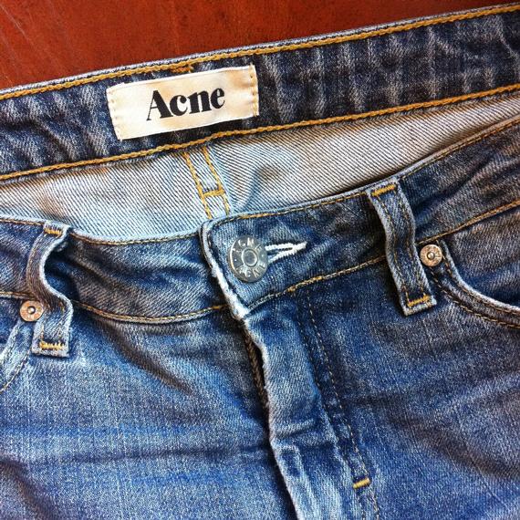 Jean Acne