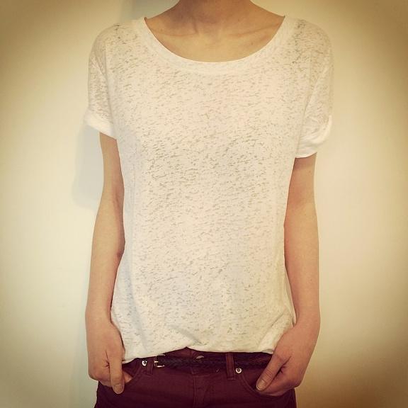 Le parfait tee-shirt blanc loose