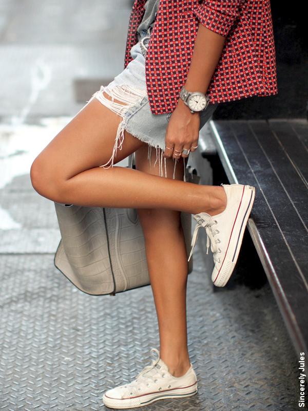 Short en jean + Baskets Converse
