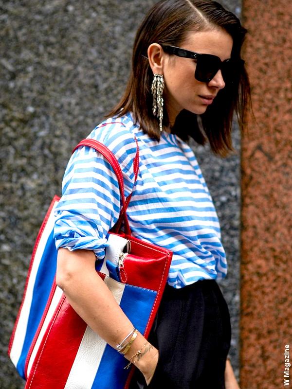 Marinière bleue + pantalon noir