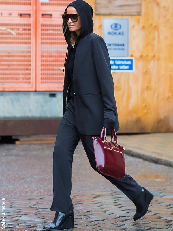 Hoodie zipp� sous veste noire
