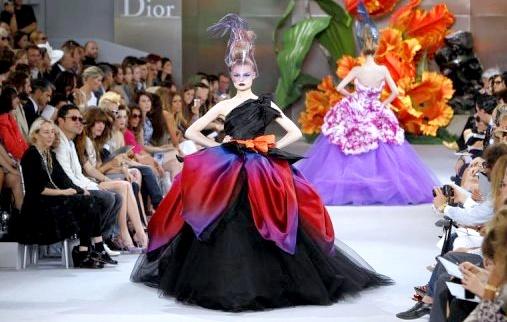 Défilé Dior - Haute Couture automne hiver 2010-2011 - Tendances de Mode f9b5d37bd3e