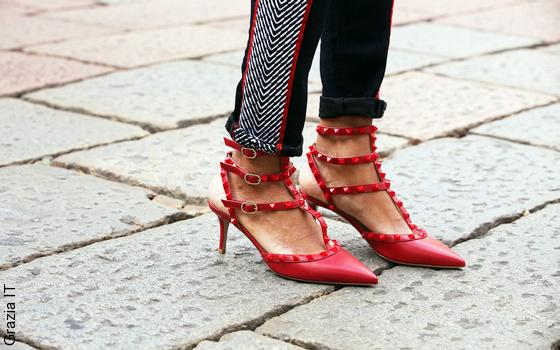 Ballerines et escarpins � studs selon Valentino