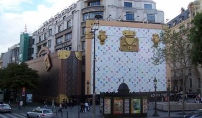 4b1bf2b96daf En 1892, Louis Vuitton décède. Son fils, entouré de tous les siens relève  le défi et décide de continuer l aventure. George met un point d honneur à  être ...