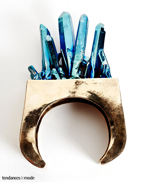 Bracelet doré - effet gisement de pierreries