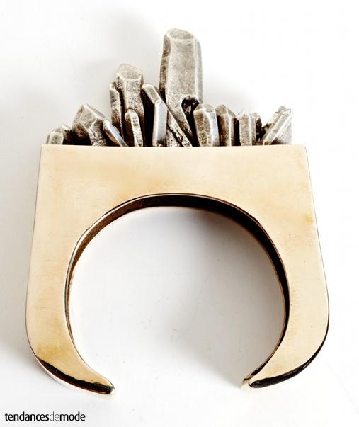 Bracelet doré - éclats de métal