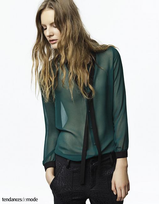 Chemise transparente à col cravate
