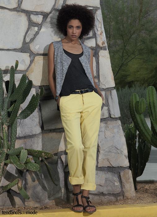 Gilet gris chiné zippé esprit perfecto, marcel anthracite, pantalon jaune poussin
