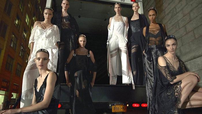 Campagne Givenchy - Printemps/été 2016 - Photo 3