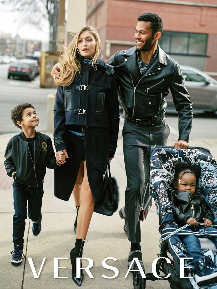 Campagne Versace - Automne/hiver 2016-2017 - Photo 1