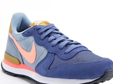 Wanted : des baskets Nike Internationalist