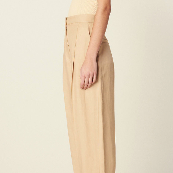 Wanted : un pantalon cropped beige