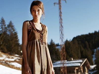 Entre teintes naturelles et empi�cements l�opard, cette robe Heimstone a tout bon !