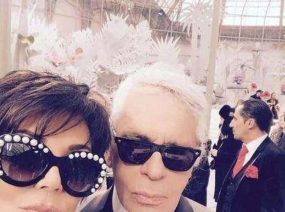 Voil� un selfie que Karl aurait s�rement aim� �viter...