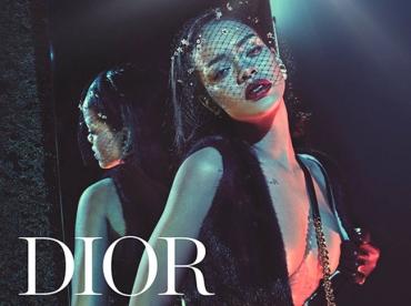 Rihanna pose pour Dior