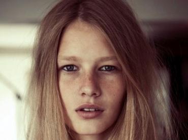 Sofia Mechetner, la tr�s jeune - 14 ans - mannequin qui monte
