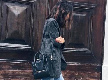 Blazer long gris chin� + jean droit coup� court + low boots = le bon mix