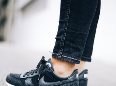 D�clin�es en mode bi-mati�re carbone, les Nike Internationalist ne manquent pas d'allure !