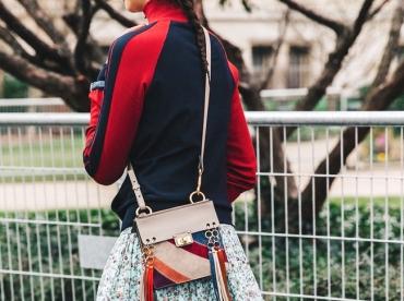Oui au t�lescopage de style entre pi�ce sportswear et mod�le romantique !