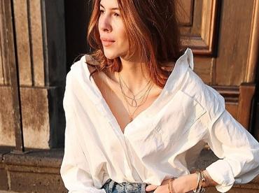 La chemise blanche se porte d�sormais
