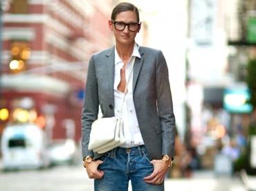 Jean boyfriend 7/8 + blazer ajust� + derbies argent�es = le bon mix