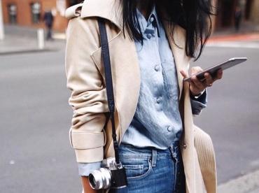 Et si l'on troquait nos chemises en jean clair contre un mod�le en soie bleu ciel ?