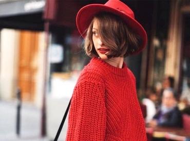 L'enjeu de cet automne ? R�ussir � d�nicher un pull-over au rouge parfait.
