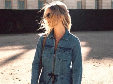 Wanted : une combi en jean zipp�e sur le devant