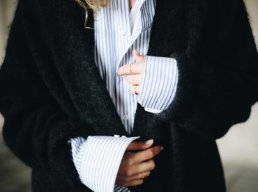 Il est temps de r�chauffer nos chemises � rayures d'un ample et douillet gilet carbone