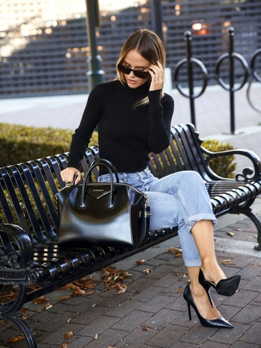 Tenue chic + jean boyfriend = le bon look