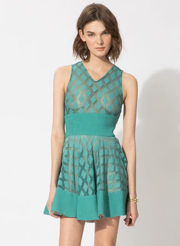robe patineuse verte comment la porter tendances de mode. Black Bedroom Furniture Sets. Home Design Ideas