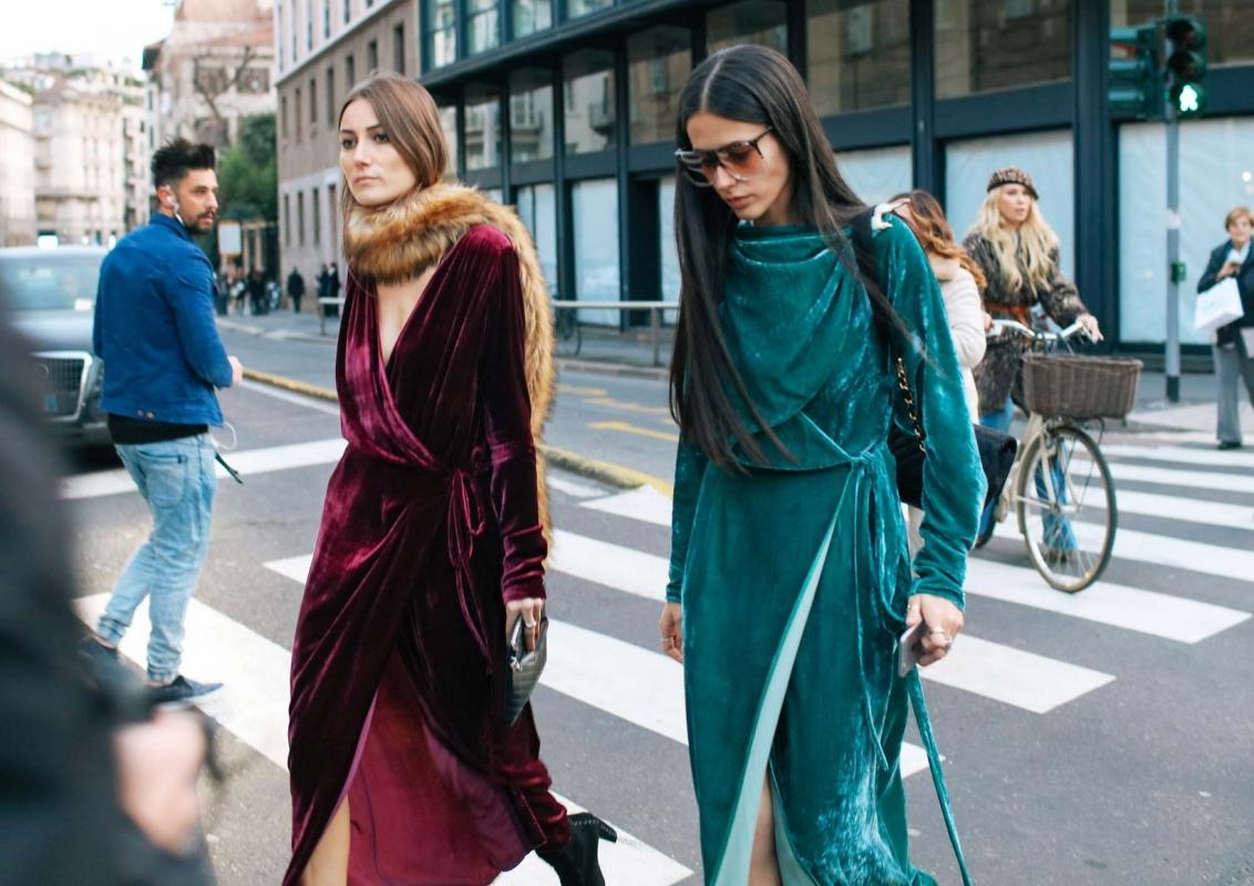 l\u0027on connaît pour leur capacité à attirer l\u0027oeil des photographes  street,style , lancent leur ligne de vêtements.