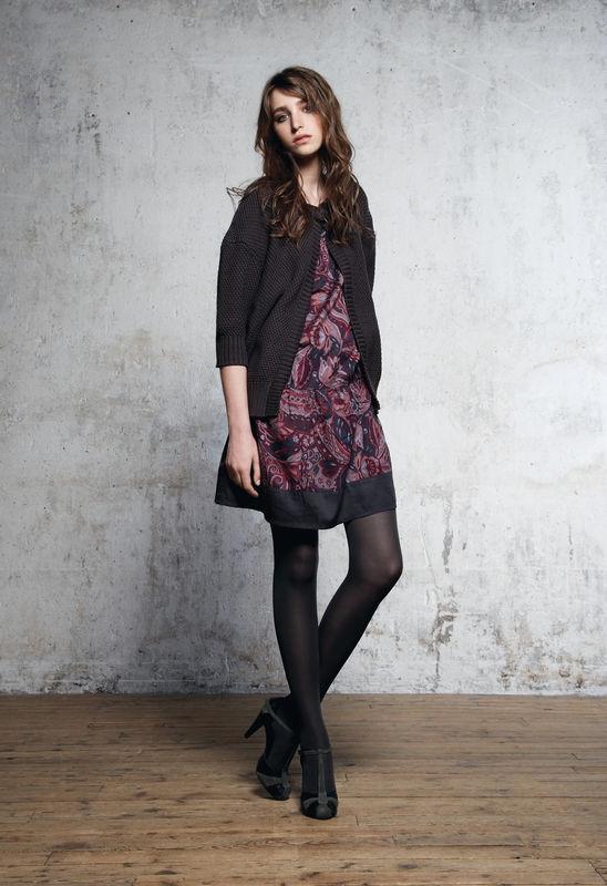 quelles chaussures porter avec une robe courte tendances de mode. Black Bedroom Furniture Sets. Home Design Ideas