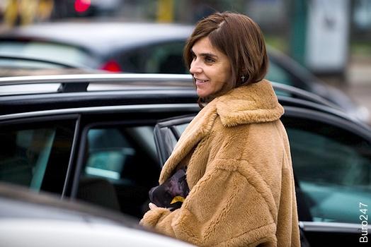 Carine Roitfeld en manteau oversize