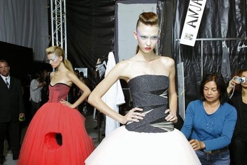 Karlie Kloss chez Viktor & Rolf