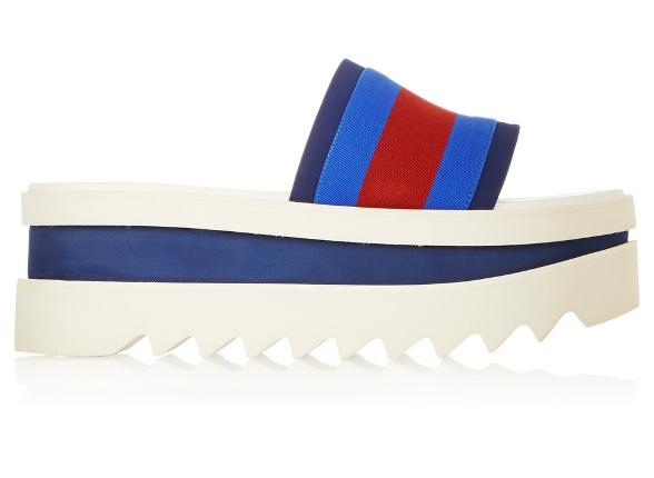 Sandales de piscine