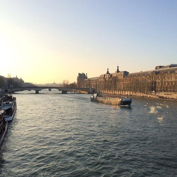 Vue sur le Louvre