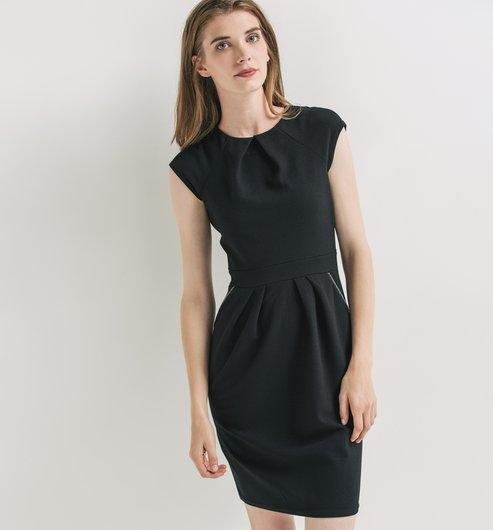 robe boule noire avec quel gilet veste la porter tendances de mode. Black Bedroom Furniture Sets. Home Design Ideas