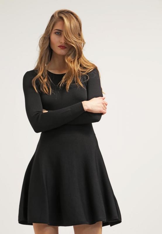 Comment Porter La Robe Noire En Hiver Tendances De Mode