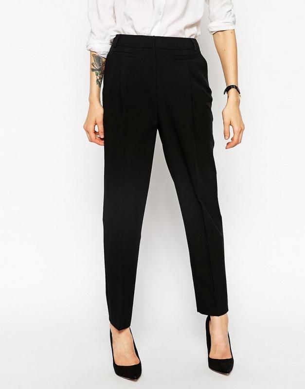 pantalon carotte noir avec quoi le porter tendances de mode. Black Bedroom Furniture Sets. Home Design Ideas