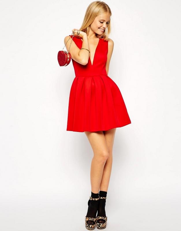 Robe patineuse rouge avec quelles chaussures la porter for Quelle robe porter pour un mariage d hiver