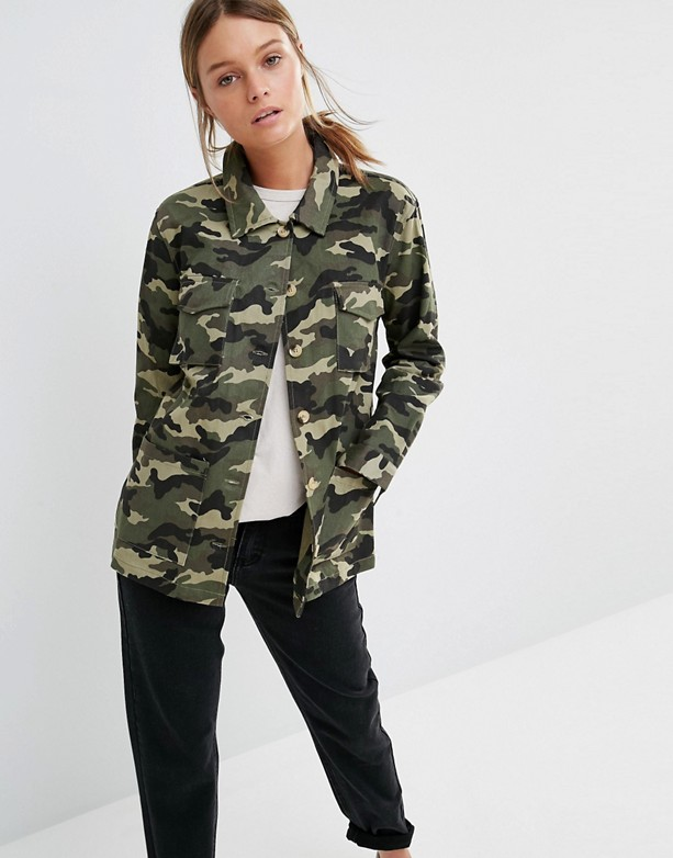 veste militaire camouflage comment la porter tendances de mode. Black Bedroom Furniture Sets. Home Design Ideas