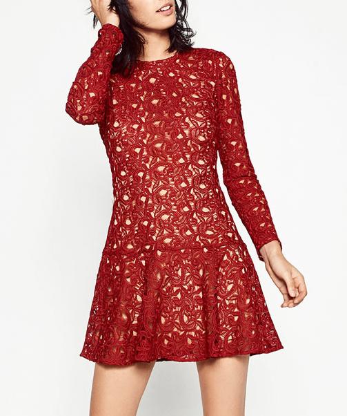 Avec quelle pochette porter une robe rouge un mariage tendances de mode - Comment porter une pochette ...