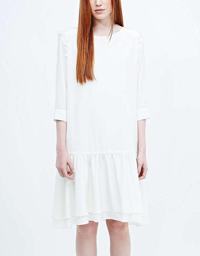 Robe blanche d'hiver