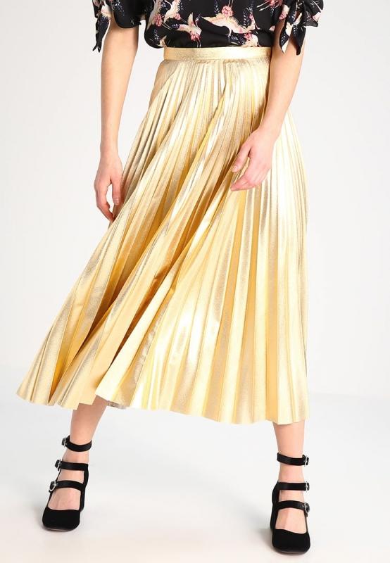 Comment porter la jupe longue quand on est ronde - Quel haut porter avec une jupe longue ...