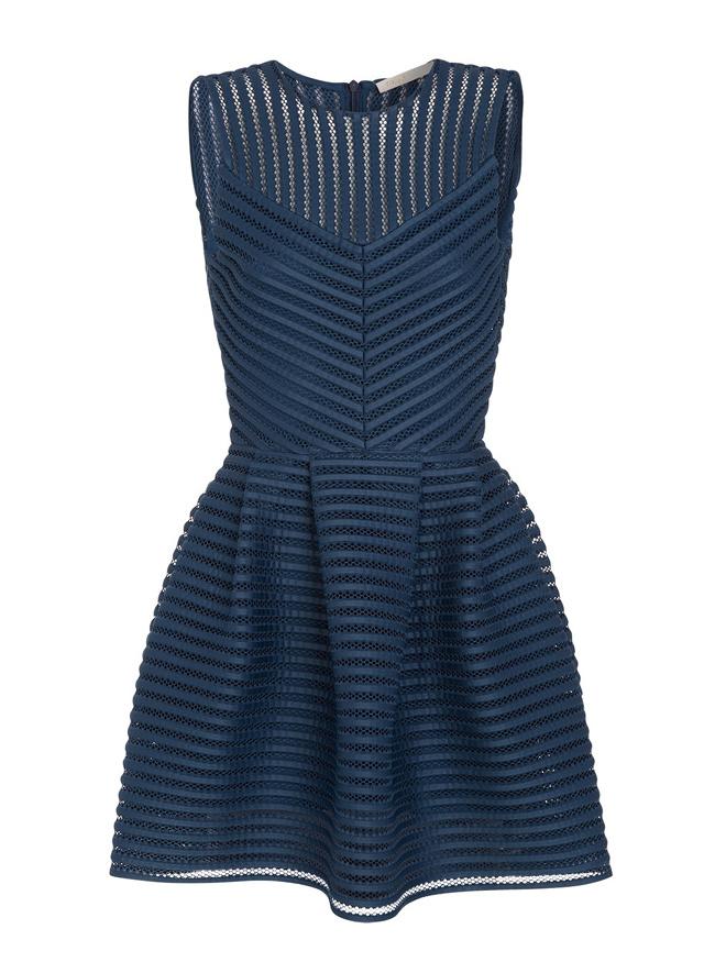Quelle veste porter avec une robe bleue tendances de mode - Avec quoi porter une robe bleu marine ...