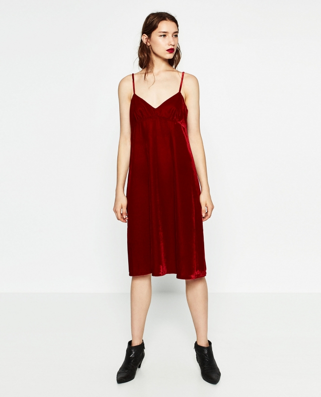 8248c2883b93 Comment Porter la Robe Rouge en Hiver   - Tendances de Mode