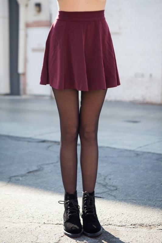 jupe patineuse bordeaux comment la porter tendances de mode. Black Bedroom Furniture Sets. Home Design Ideas