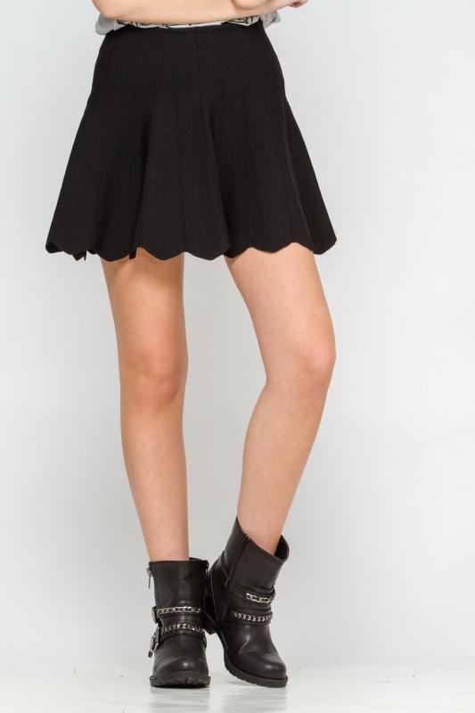 quelles chaussures porter avec une mini jupe tendances de mode. Black Bedroom Furniture Sets. Home Design Ideas