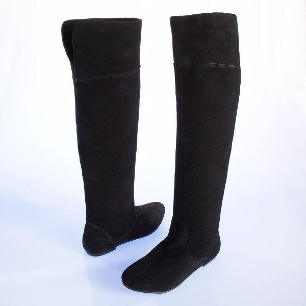 cuissardes plates noires en daim comment les porter sans collants tendances de mode. Black Bedroom Furniture Sets. Home Design Ideas